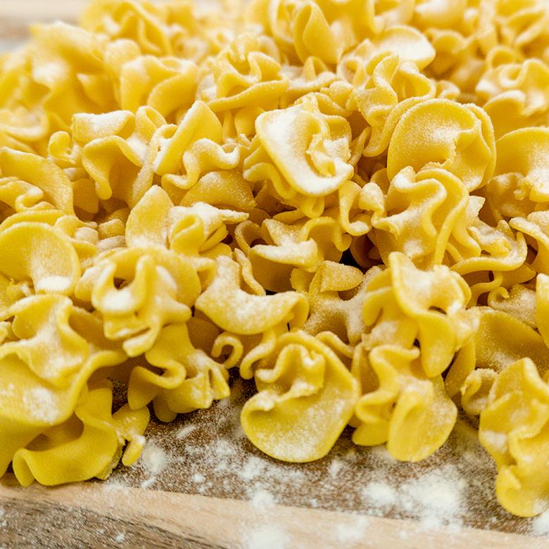 Chickpea_Pasta_Man_In_Pasta